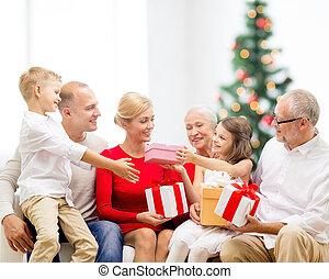 kadootjes, het glimlachen, gezin