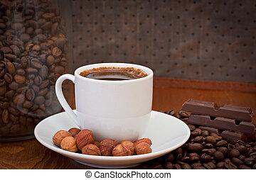 kaffe kopp, hasselnöt, choklad