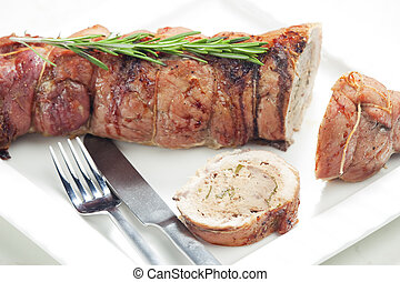 kalfsvlees, rol, gevulde, met, fijngehakt rundvlees, vlees, en, keukenkruiden