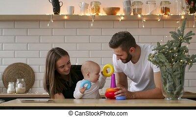 kamer, happy., vader, het koesteren, moeder, baby, het glimlachen