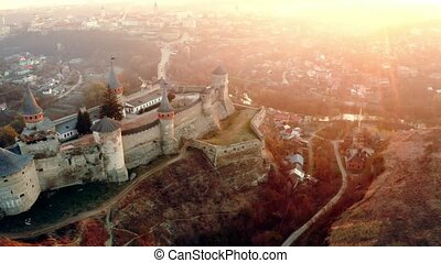 kamianets-podilskyi, forteresse, au-dessus, levers de soleil