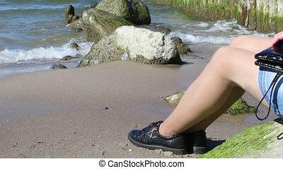 kamień, kobieta, młody, morze, posiedzenie