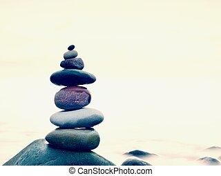 kamienie, waga, na, zaokrąglony, kamień, na morzu, pojęcie, inspiration., piękny, krajobraz, tło