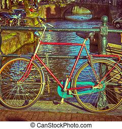 kanal, brücke, altes fahrrad, amsterdam