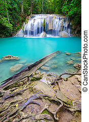 kanchanaburi, erawan, thaiföld, vízesés