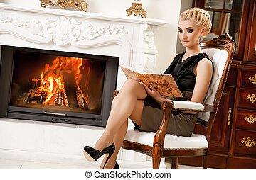 kandalló, könyv, hölgy, felolvasás, szőke
