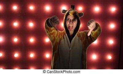 kangaroo., femme, formulaire, enfants, blogger, émotif, dislike., clair, student., mains, portrait, pyjamas, geste, spectacles