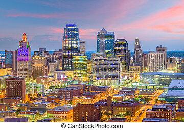 Kansas City, Missouri, USA Skyline - Kansas City, Missouri,...