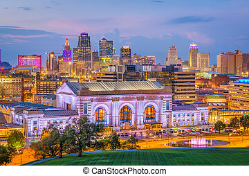 Kansas City, Missouri, USA Skyline - Kansas City, Missouri, ...