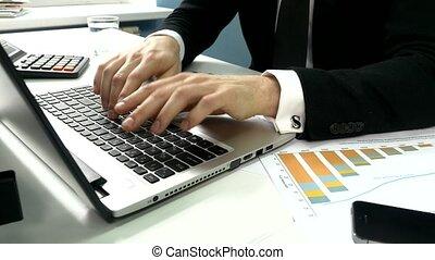 kantoor, zakenlui, laptop computer, het typen