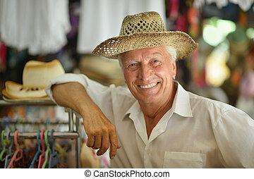 kapelusz, dojrzały człowiek