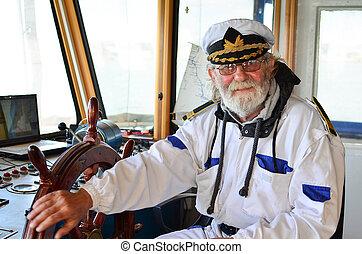 kapitan, podróż, uśmiechanie się, usatysfakcjonowany, bon
