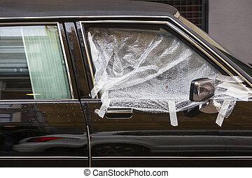 auto fenster einbruch auto brechen fenster durch ihr stockfoto fotografien und. Black Bedroom Furniture Sets. Home Design Ideas