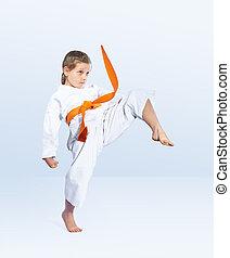 karateka, leány, megüt, egy, megrúg, láb, előmozdít