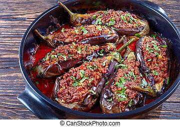 Karniyarik - Stuffed Eggplants in a dish
