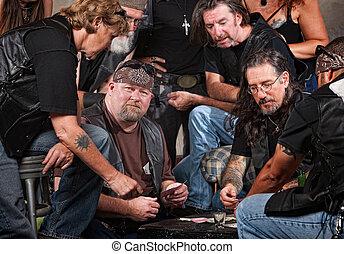 Karten, Bande, Mitglieder, spielende