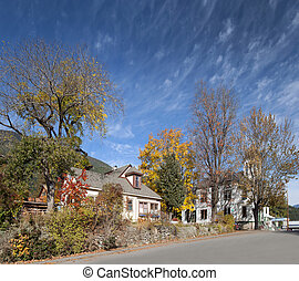 Kaslo in British Columbia, Municipality Hall and cottage with garden