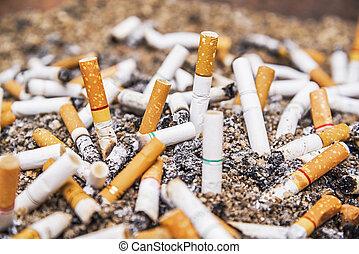 kasserat, cigarett, fimpar, askkopp