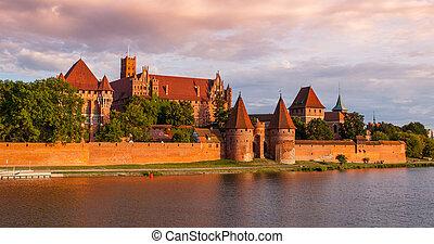 kasteel, malbork, aanzicht, polen, panoramisch, teutonic