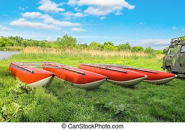 katamarane, für, wildwasserrafting, auf, der, flußufer