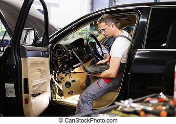 katona, autó, laptop, műhely, diagnosztika, gyártás