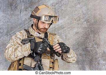 katona, modern, pisztoly
