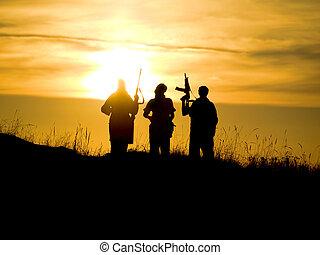 katona, napnyugta, ellen