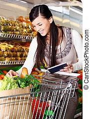 kaufen, güter, in, supermarkt