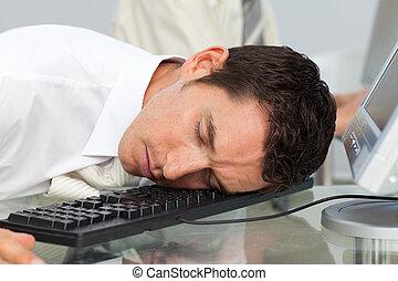 kaufleuten zürich, eingeschlafen, an, seine, buero