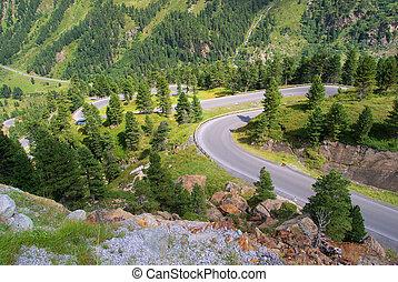 Kauner valley glacier road 01