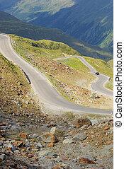 Kauner valley glacier road 04