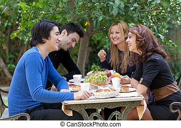 kawa, cieszący się, przyjaciele, młody, restauracja
