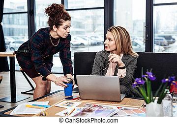 kawa, jej, kędzierzawy, jakiś, wymagający, szef, gorący, samica, przyprowadzanie powodowanie, sekretarka