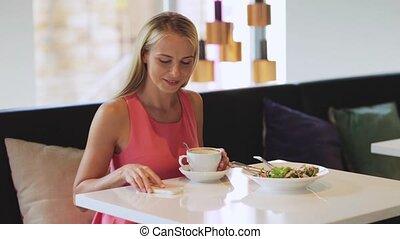kawa, kobieta, powołanie, smartphone, restauracja