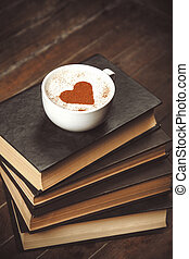 kawa, książki, filiżanka
