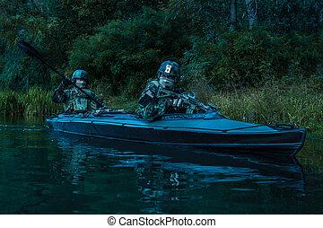 kayak, militants, exército