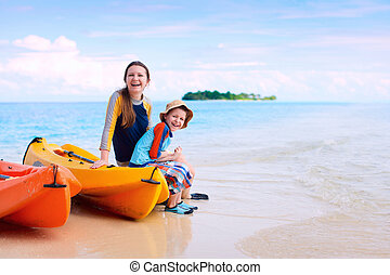 kayaking, mãe, após, filho