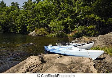 kayaks, sur, les, rocheux, rivage