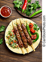 kebab, adana, fresco, flatbread, vegetales, turco