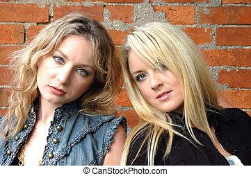 Keeley and Amelia5