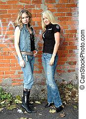 Keeley and Amelia6