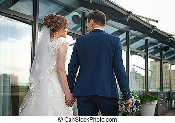 kellemes, newlywed, párosít, közel, fényűzés, étterem