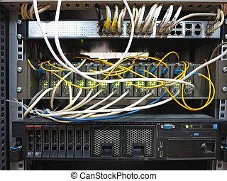 kelner, rek, met, internet, lappen, koord, kabels,...