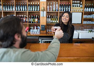 kelnerka, piwo, kantor, szkło, klient, służąc