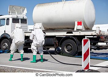 kemikalie spill, efter, schackrande olycksfall