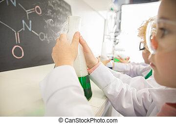kemisk, skyddande, kolv, prov,  goggles,  chalkboard, holdingen, Skolflicka
