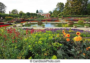 Kensington palace garden