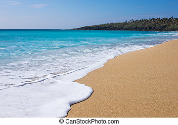 Kenting Beach, Taiwan - Beautiful sands and clear water at...