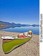 kenu, képben látható, a, tó part