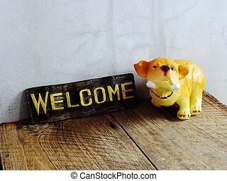 keramisk, hund, med, välkommande signera, på, trä, bakgrund